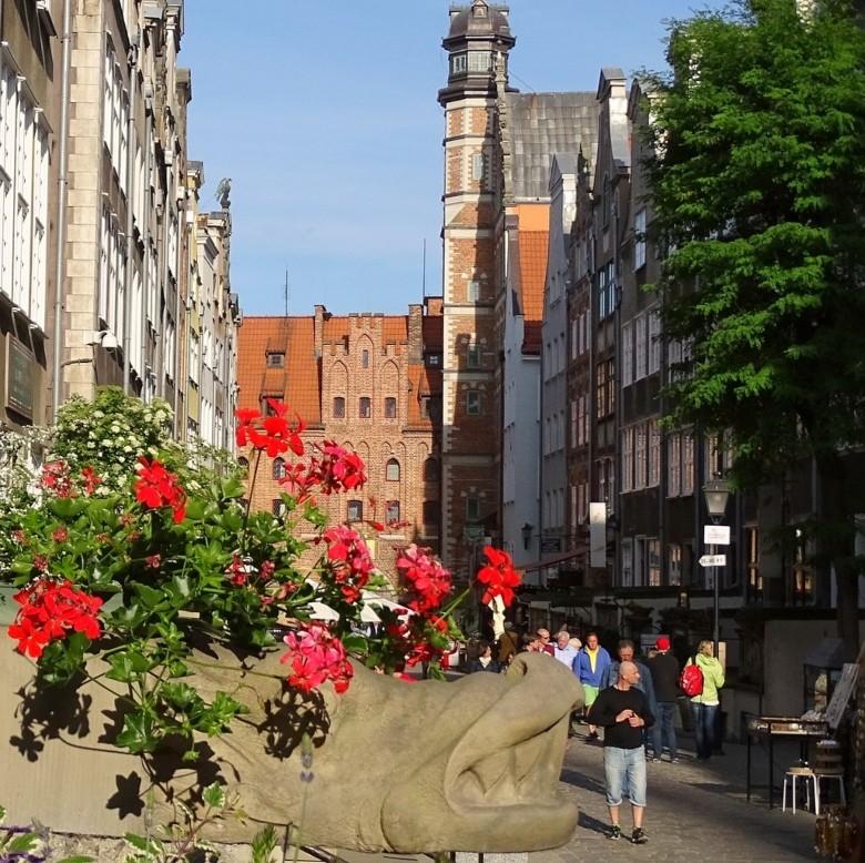 maraicka street gargoyels gdansk